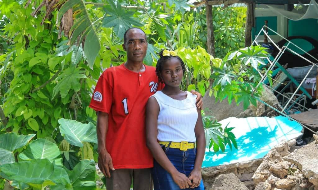 Keensara et son oncle, victimes du tremblement de terre à Haïti